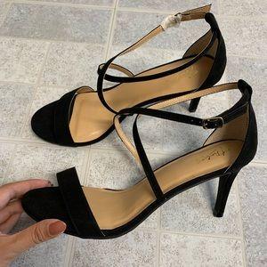 New Thalia Sodi Darria Black Strappy Sandals